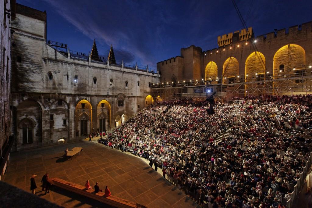 Cour d'honneur du Palais des papes - © Christophe Raynaud de Lage / Festival d'Avignon