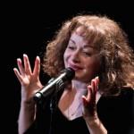 Un  voyage  nostalgique. Jil  Aigrot  et  des  chansons  de  Piaf