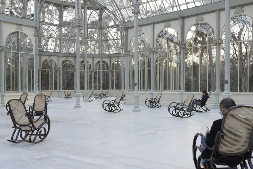 """Le """"Splendide Hotel"""", installé en 2014 au Palacio de Cristal à Madrid. Courtesy de l'artiste et Esther Schipper, Berlin, ADAGP, Paris 2015"""