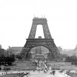 Tour Eiffel: de la polémique aux louanges